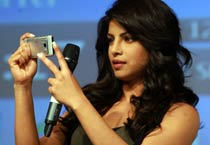 Priyanka launches Nokia N8