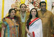 Bollywood celebrates Navratri
