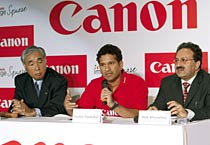 Sachin at the launch of Canon's retail store
