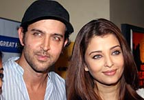 Aishwarya, Hrithik at special screening of <em>Guzaarish</em>