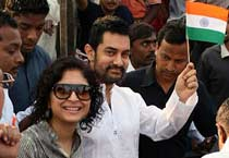 Aamir Khan celebrates R-Day at Dhobi Ghat