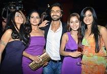 Ashmit celebrates B'day with Veena, Sara