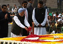 Nation pays homage to Mahatma Gandhi on Martyrs' Day