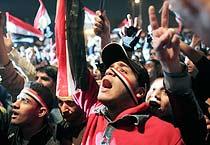 Hosni Mubarak resigns, celebrations in Egypt