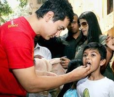 Aamir celebrates his 44th birthday