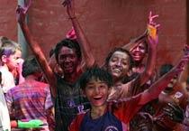 Holi fever grips Mumbai