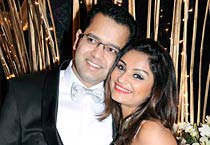 Rahul, Dimpy celebrate first anniversary