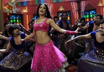 Shweta Tiwari turns item babe