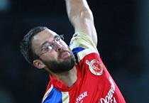 IPL: Royal Challengers Bangalore beat Delhi Daredevils by 3 wkts