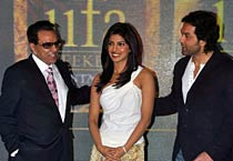 Priyanka, Deols shine at IIFA