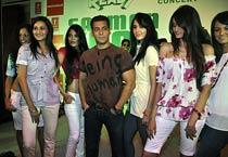 Salman Khan promotes 'Ready'