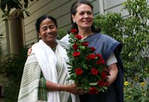 Mamata meets Sonia on govt formation
