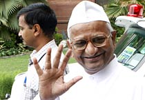 Lokpal panel meets to resolve deadlock