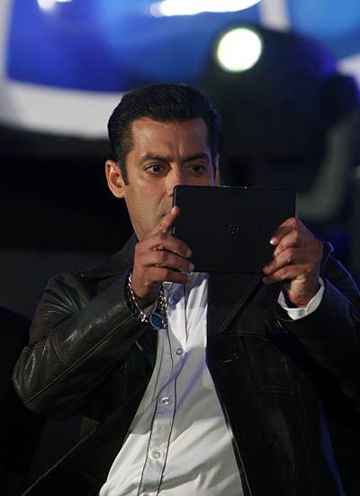 Salman Khan launches BlackBerry PlayBook