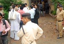 Bhopal: Man kills wife's rapist outside court