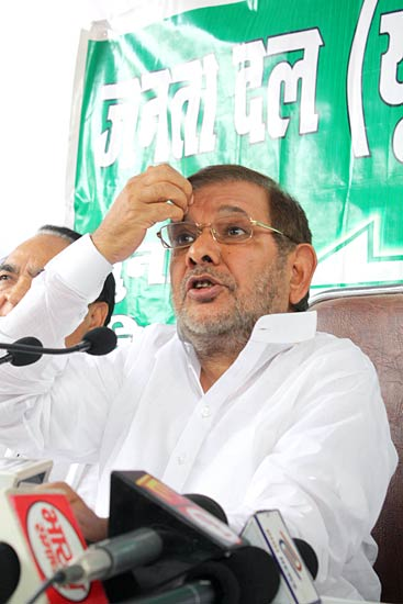 Fasts do not serve any purpose: Sharad Yadav