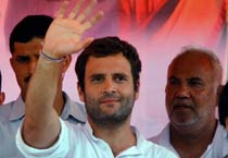Rahul bats for UP farmers