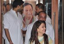 Aishwarya, Abhishek at Sanjay Dutt's house
