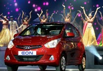 Hyundai launches small car Eon