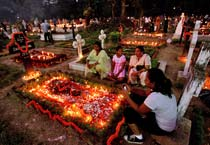 Kolkata observes All Souls' Day
