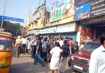 Dam row: Shops attacked in Chennai