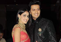 Riteish-Genelia's starry reception