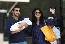 Shilpa, Raj take Baby K home