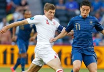 France's Samir Nasri (right) and England's Steven Gerrard