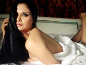 Golmaal Returns girl goes nude for French mag