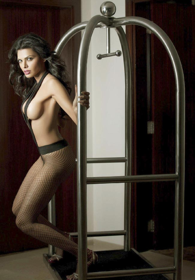 sherlin-chopra-upscrit-cutechubby-naked-girls
