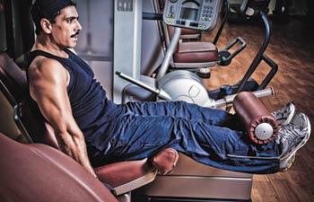 Robert Vadra hitting his gym