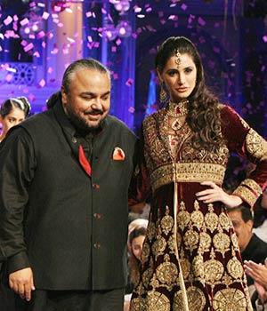 Nargis Fakhri sizzles at Bridal Week grand finale