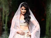 Bridal week: Chitrangada walks the ramp