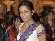 Sexy Poonam Pandey in sari
