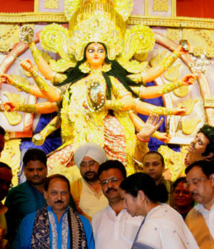 Kolkata all set to bask in Durga Puja fervour