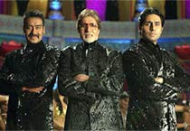 Amitabh Bachchan grooves like 17 at 70!