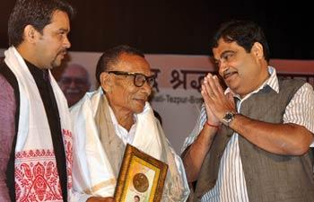 The Bharatiya Janata Party president Nitin Gadkari flagged off the Shahid Shradhanjali Yatra in Guwahati on October 18, 2012.