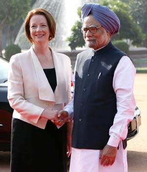 Manmohan Singh with Julia Gillard