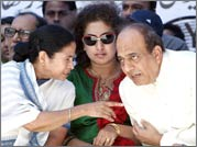 Mamata holds rally against FDI in New Delhi