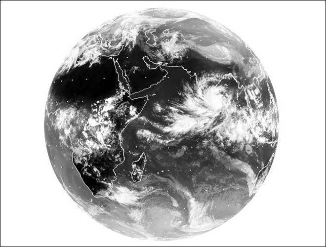Cyclone Nilam hits Chennai