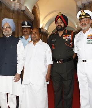 PM meets service chiefs