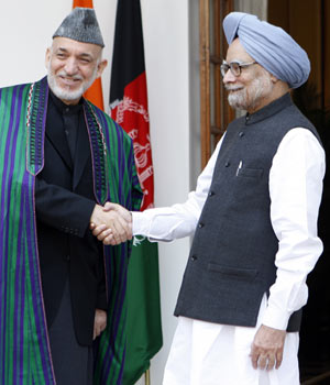 Hamid Karzai with Manmohan Singh