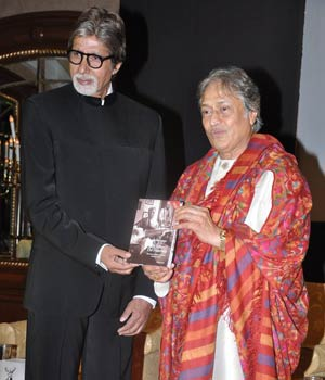 Big B launches Amjad Ali Khan's book