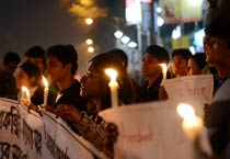 Kolkata holds candlelight vigil for gangrape victim