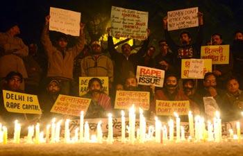 India mourns Delhi gangrape victim's death