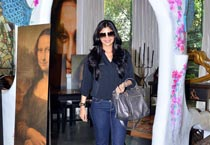 Shilpa Shetty goes Christmas shopping