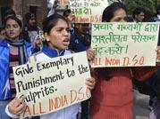 Protests against brutal Delhi gangrape continues, people observe Black Day at Jantar Mantar