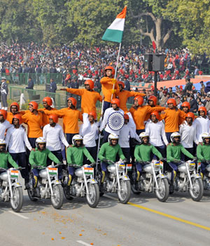 Performers rehearse for 64th Republic Day parade in New Delhi