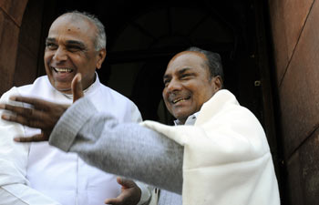 Defence Minister AK Antony with Congress leader Jagdambika Pal