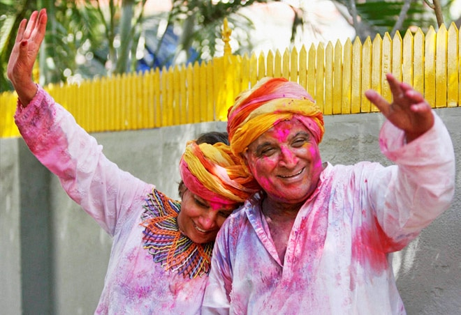Shabana Azmi and Javed Akhtar celebrate Holi.